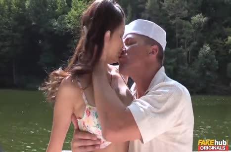 Парниша прет красивую азиаточку до громких стонов №1795