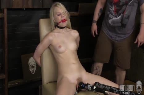 Скриншот для Сочное фетиш порно видео с ненасытными телочками №2081 5
