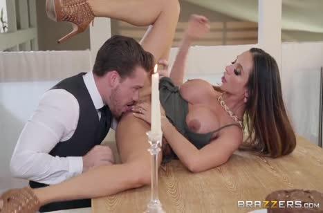 Красавица обожает смачный секс на большом члене №4226
