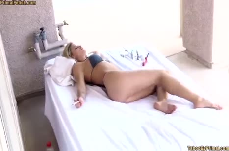 Скриншот для Бабенка завела чела своими дойками на мощный секс №4453 5