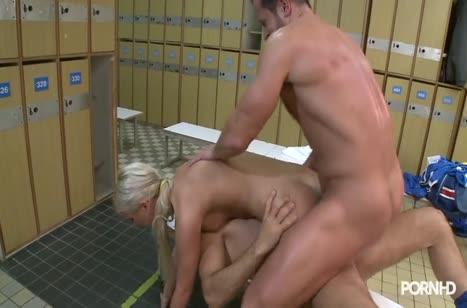 Скриншот для Девка решила попробовать секс с несколькими партнерами №4801 4