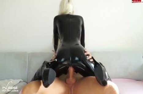 Скриншот для Отличное порно с аппетитной чиксой в латексе №1245 3