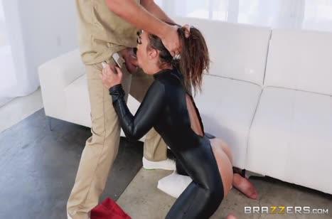 Порно видео с девушками в латексе №2314 на телефон