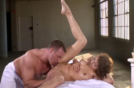 Скриншот для Пошлый секс с массажистом в разных позах на кушетке №2778 5