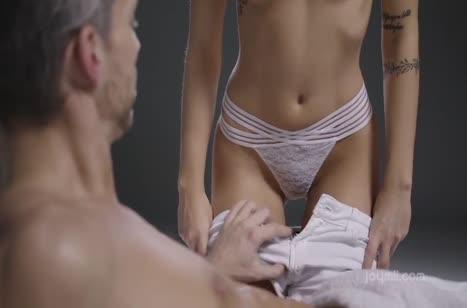 Скриншот для Скачать порно видео с телочками в массажном кабинете №2786 1