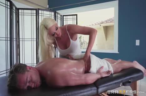 Скриншот для Скачать порно видео с телочками в массажном кабинете №3698 1