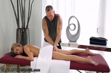 Скачать порно видео с телочками в массажном кабинете №3699