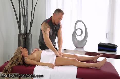 Скриншот для Скачать порно видео с телочками в массажном кабинете №3699 3