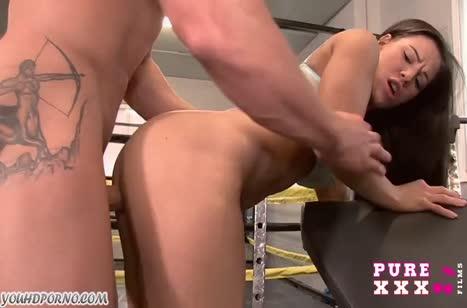 Крепкий пенис порадовал писечку молодой чики №3242