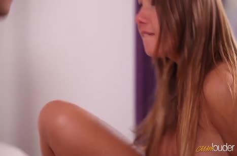 Скриншот для Чикса с сексуальной попкой романтично забавляется с другом №2693 3