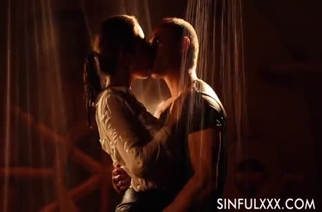 Скриншот для Чикса с сексуальной попкой романтично забавляется с другом №2696 1