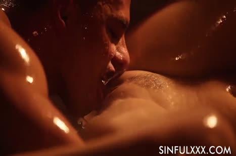 Скриншот для Чикса с сексуальной попкой романтично забавляется с другом №2696 3