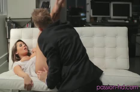 Симпатичная подружка наслаждается красивым сексом №3906