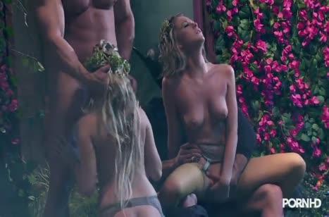 Скриншот для Рыженькие девушки офигенно кувыркаются в постели №1440 5