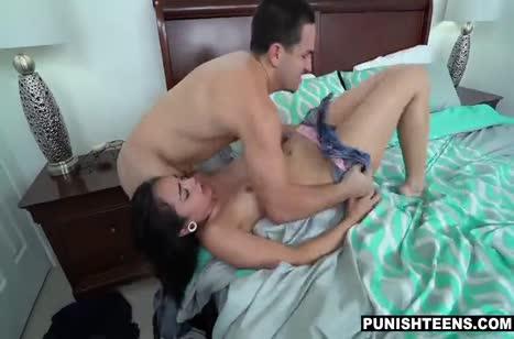 Скриншот для Жесткое порно на телефон №4191 с шлюшковатыми чиками 4